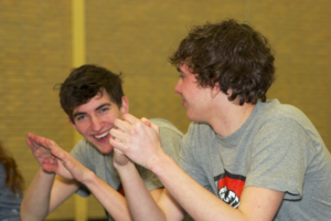 Lachende jongeren